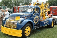 Vintage-Tow-Trucks-Wreckers-Car-Haulers-110