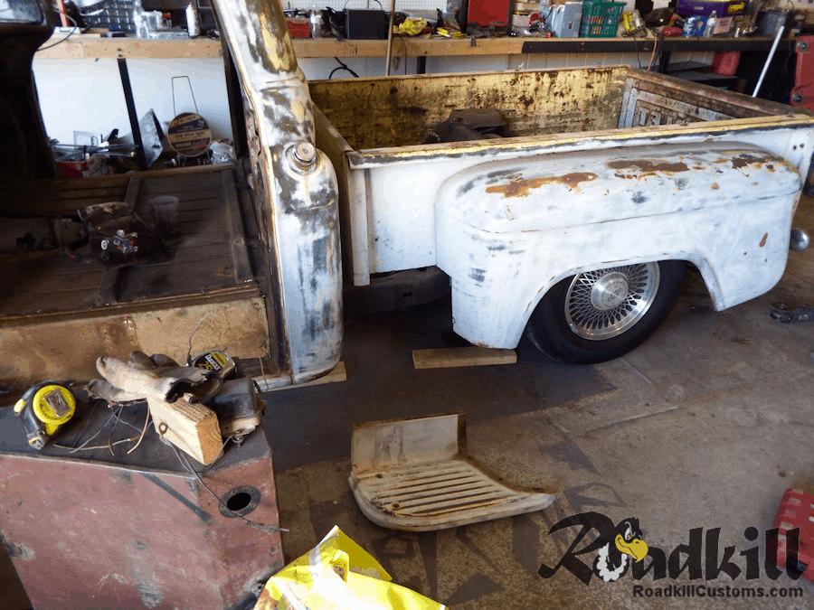 1959 Chevrolet Apache 4WD - B-Body Chassis Swap