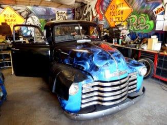1951 Chevrolet 3100 6.0 L LQ4 LS Motor Swap