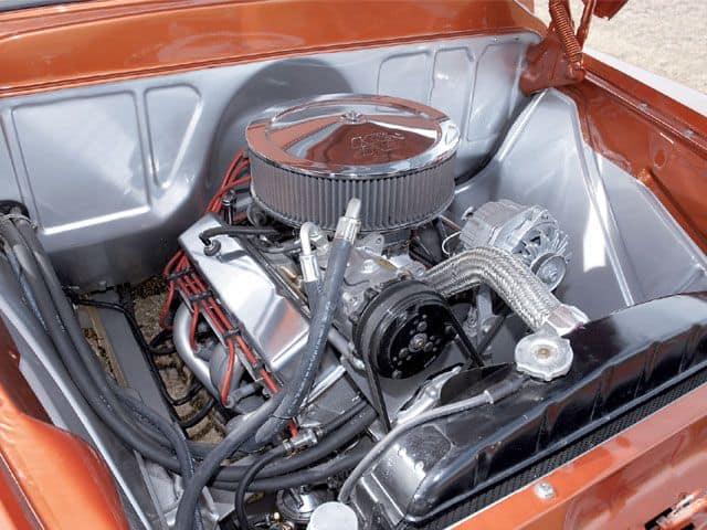 Chevrolet 305 Small Block Engine