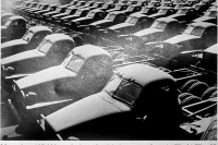 Studebaker_Trucks_in_WWII