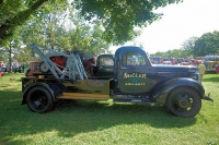 Vintage-Tow-Trucks-Wreckers-Car-Haulers-09