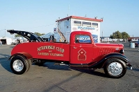 Vintage-Tow-Trucks-Wreckers-Car-Haulers-101