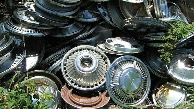 Hubcaps - Beauty Rings - Centercaps and Wheel Accessories