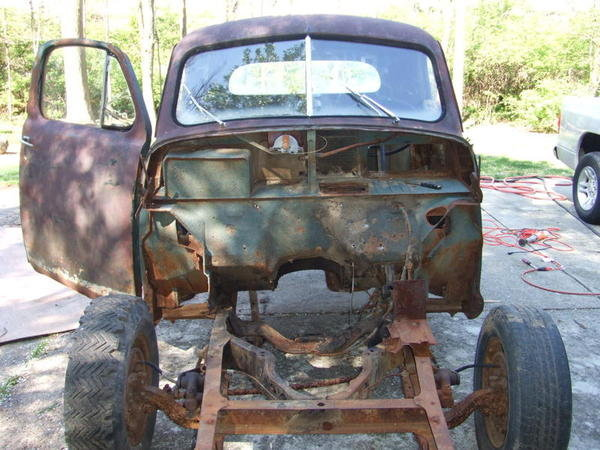 1949 Sudebaker 2R5 Pickup Truck Build 3
