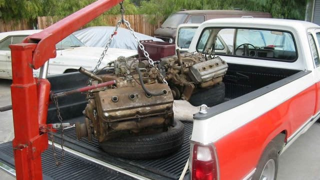 Junkyard HEMI Engines