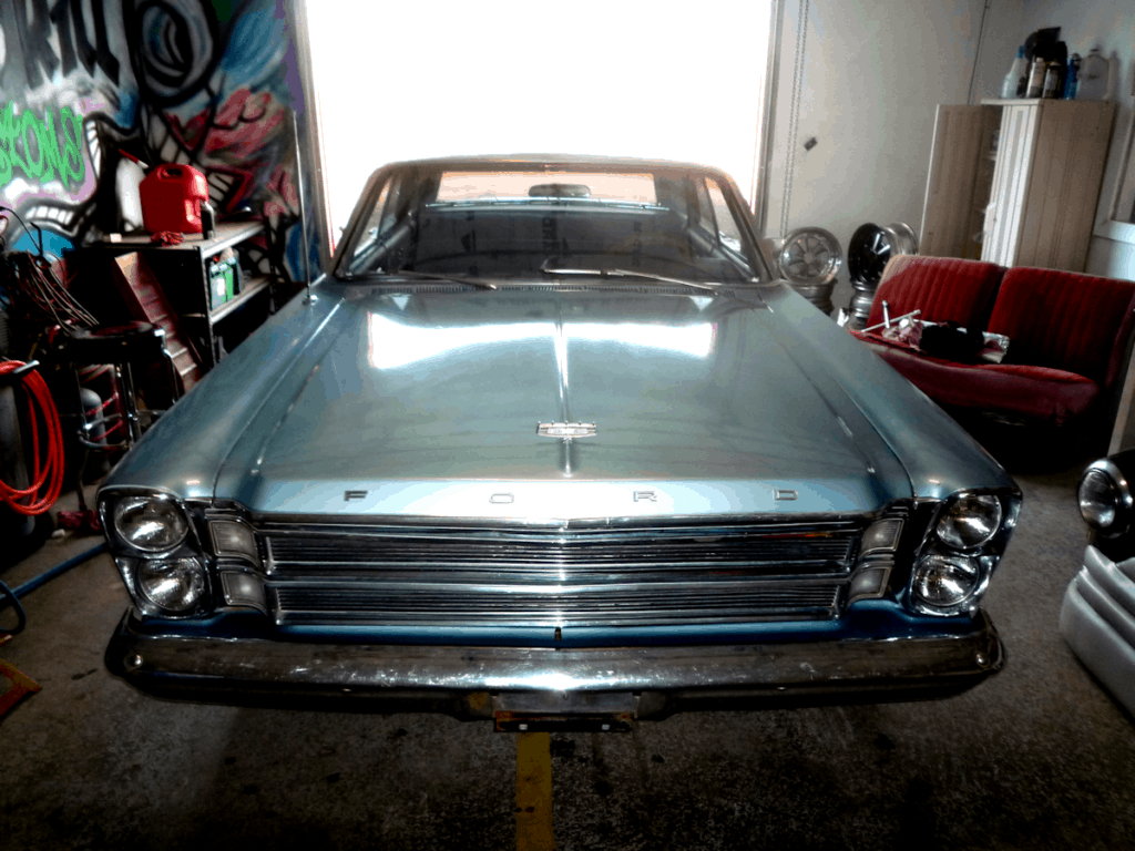 1966 Ford Galaxie 500 LTD Front End