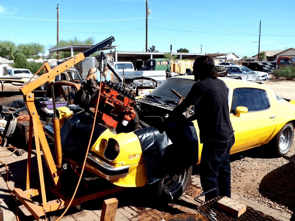1976 Camaro Bumblebee Engine Swap ~ Pulling the tired engine