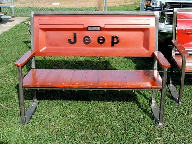 Jeep Tailgate Bench with Metal Frame
