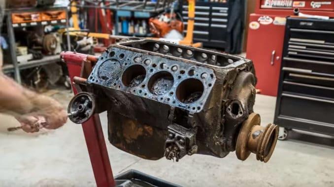 Chrysler Hemi FirePower V8 Engine Rebuild Time-Lapse