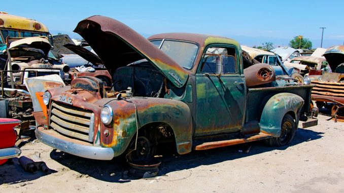 Junkyard Rescue! Saving a 1950 GMC Truck