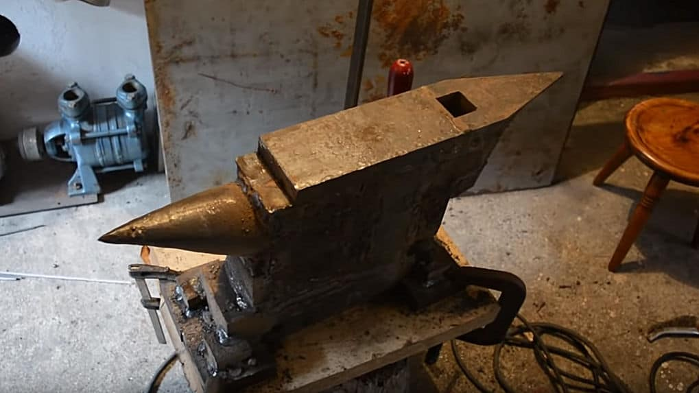 How To Make a Blacksmiths Anvil from Scratch