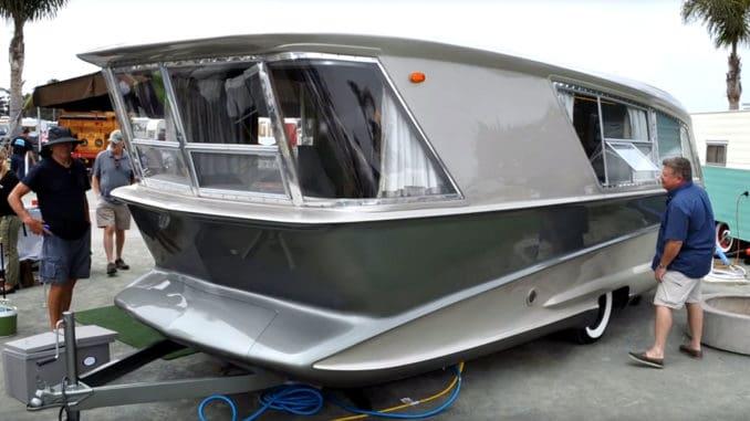 10 Retro Motorhomes & Groovy Caravans and Campers