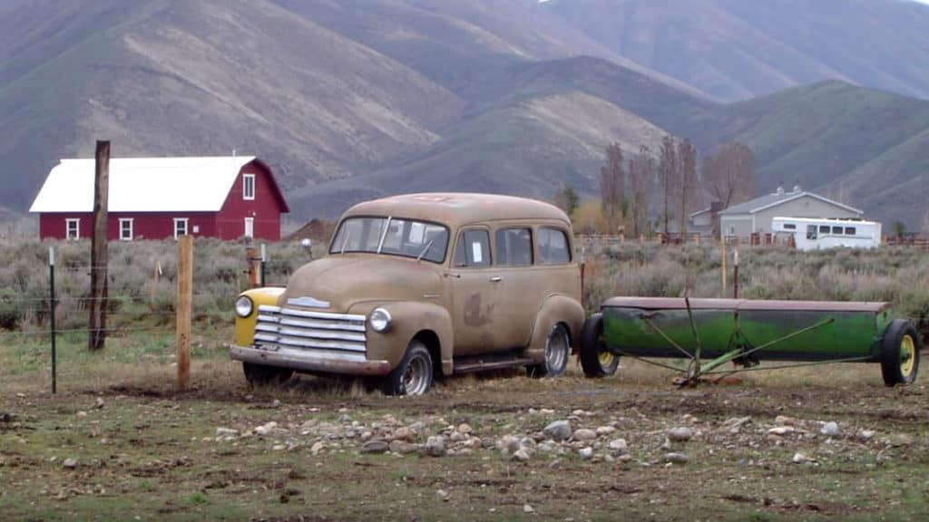 Sly's 1953 Chevrolet 3100 Suburban