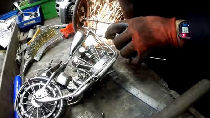 DIY Harley Davidson Motorcycle from Scrap Metal