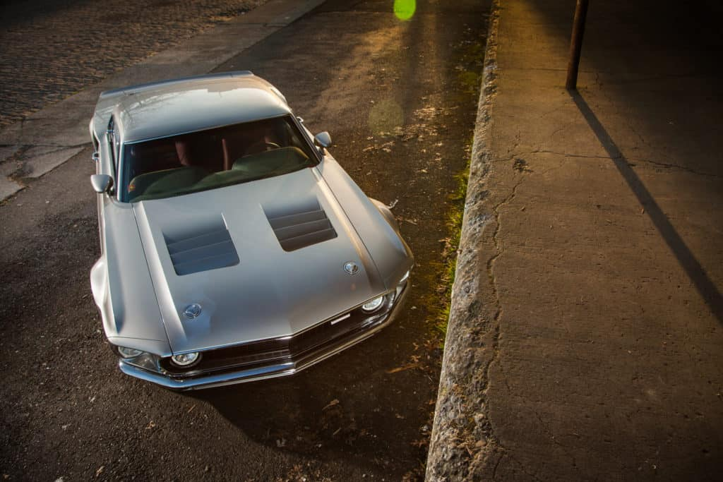 Mach 40 ~ 1969 Mustang Mach 1 Meets 2006 Ford GT