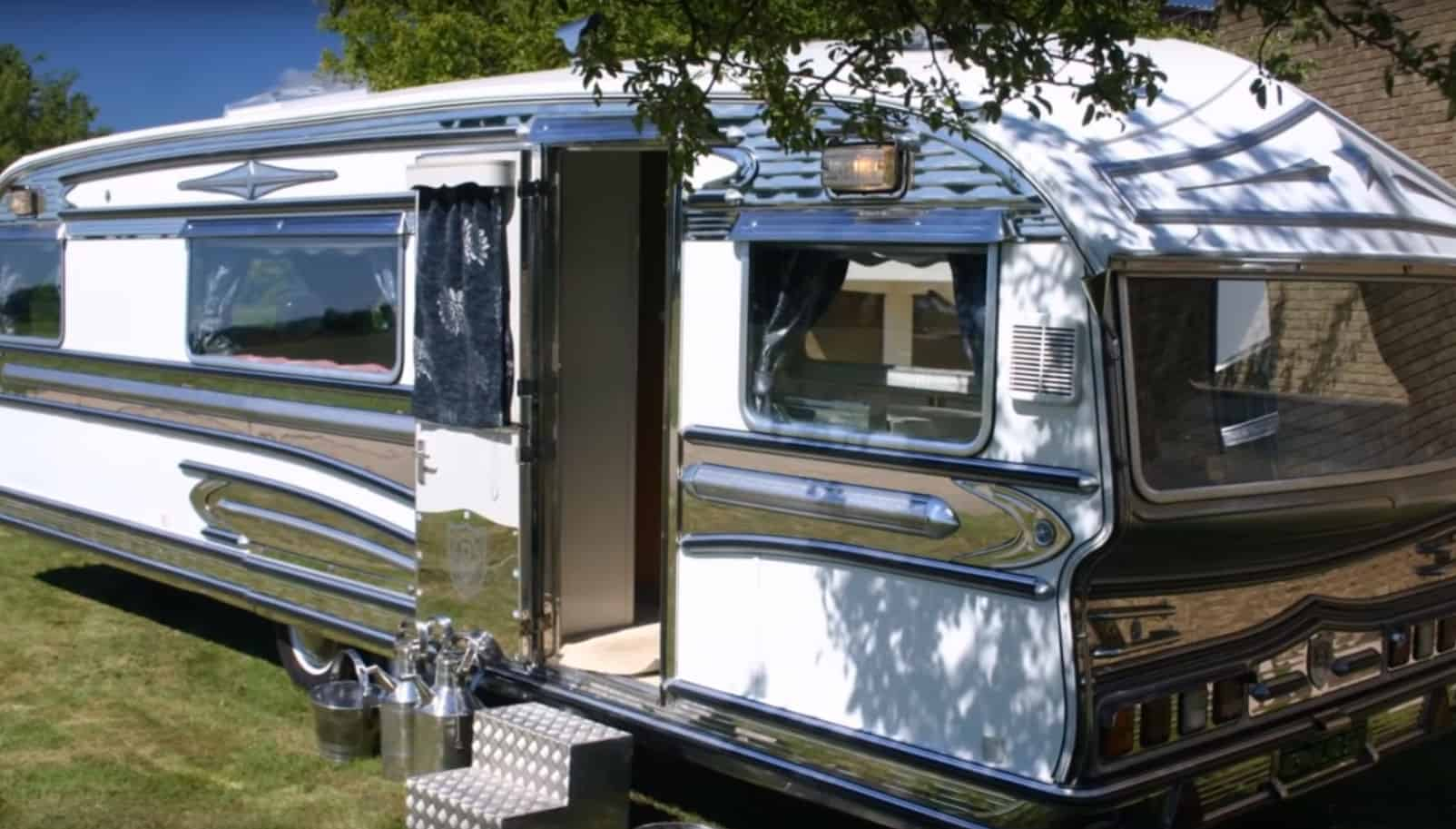 10 Classic Motorhomes and Vintage Campers