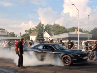Dodge Challenger Hellcat Burnout