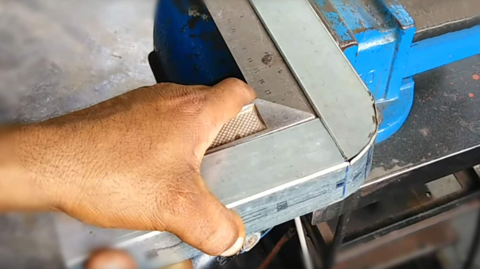 How To Bend Square Stock Box 90