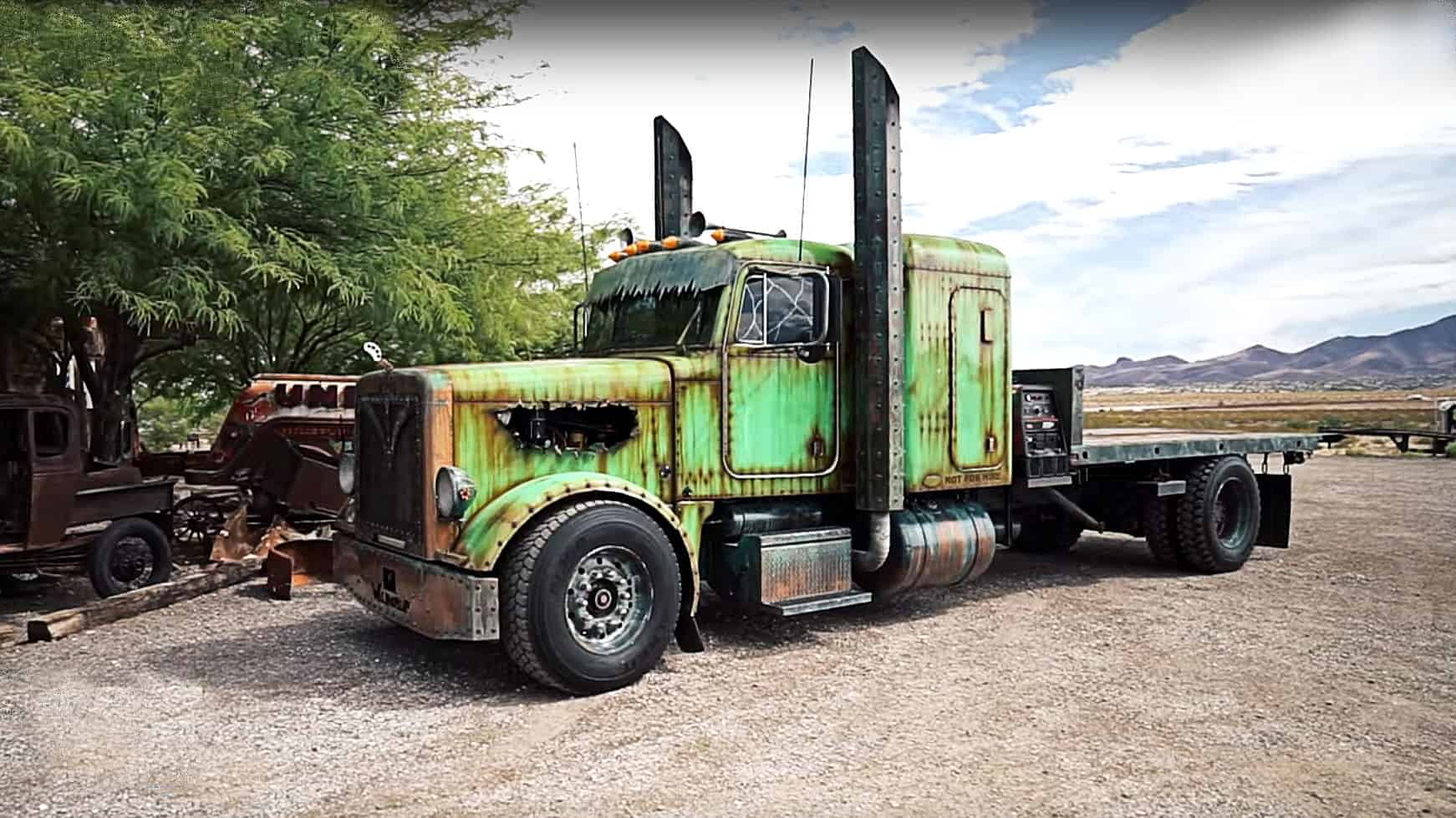 WelderUp's Insane Custom Turbo Diesel Peterbilt