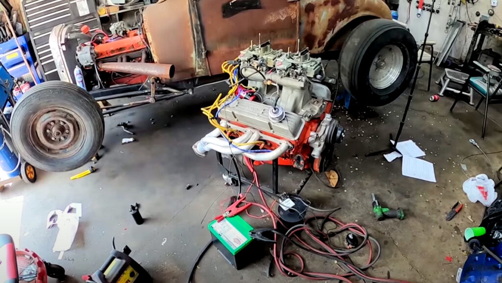 Bench Starting an Old School Hot Rod Motor