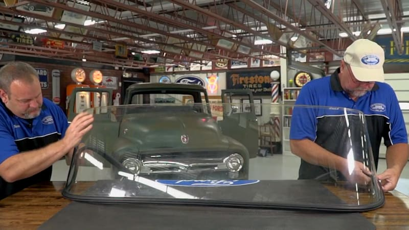 Step 9 - Install the gasket on the windshield